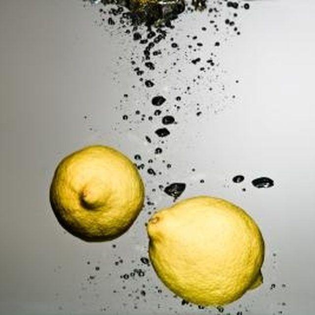 Lemon water has an alkalizing effect which balances your bodys pH level. Lemon water has an alkalizing effect, which balances your bodys pH level